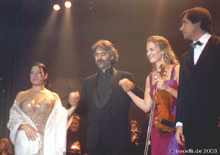 Prag, 4. 10. 2003, curtain call, photo copyright Bocelli.de