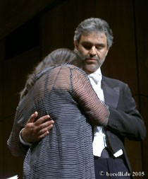 Berlin, 6-18-2005, concert with Patrizia Orciani, copyright www.bocelli.de