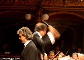 Catania, Teatro Bellini, 4.Mai 2007, photo  www.bocelli.de