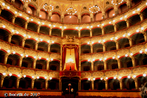 Catania, Teatro Bellini, photo  www.bocelli.de