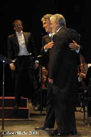 Washington 21.11.08 with Placido Domingo singing the Pearl Fisher's duet and co-conductor , thanks to Jack!